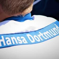 """Aufschrift """"Hansa Dortmund"""" auf dem Rücken eines Sporttrikots"""