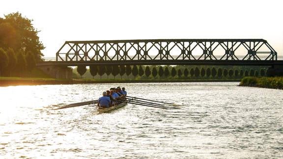 Hansa Achter unterwegs auf dem Dortmund-Ems-Kanal